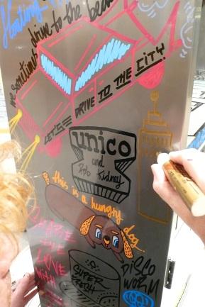 Live furniture painting at unico-Shinjuku Lumine 4th October
