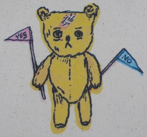 YES/NO bear pouch-detail