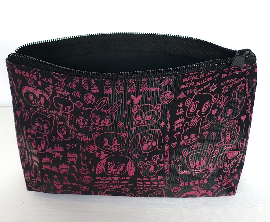 POUCH 4